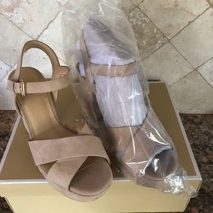 Michael Kors Divia platform sandals shoes 8.5
